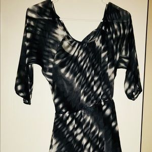 Gorgeous mini dress in chiffon lined by Express